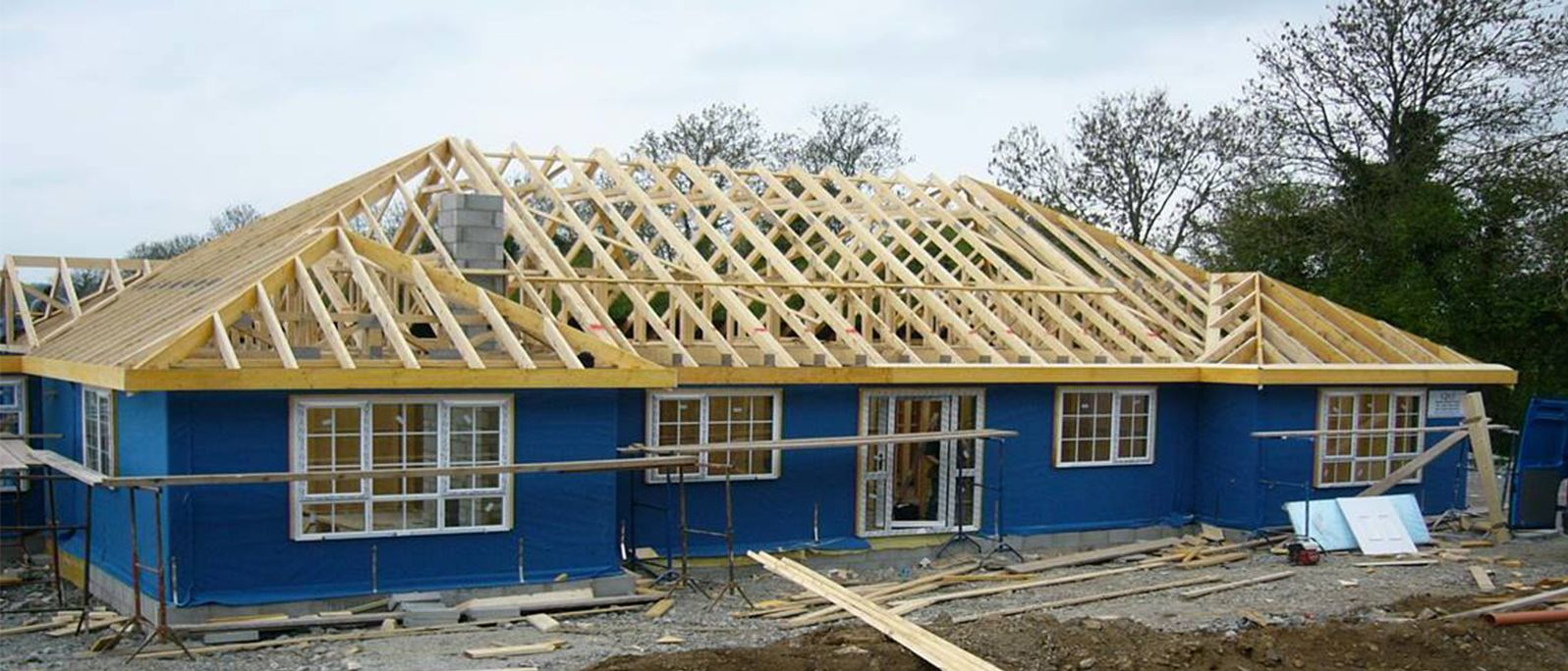 Timber frame homes in ireland and uk qtf timber frame for Timberframe house